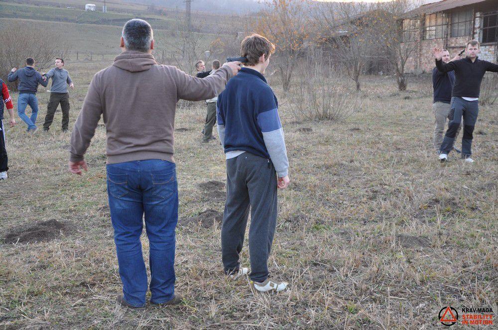 Apărări ale amenințărilor cu pistolul
