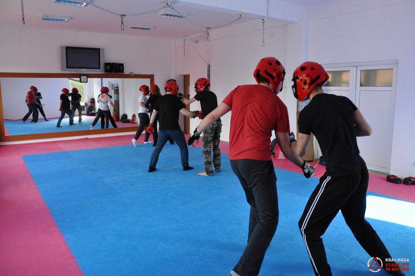 Street Survival - defense against multiple attackers-04-2016